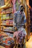 Loja Istambul de toalha de Peshtemal do turco Foto de Stock Royalty Free