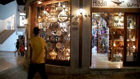 Lojas com os bens asiáticos no quadrado de Soho, Sharm el Sheikh, Egito filme