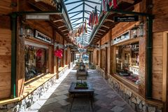 Lojas de compra - angustura do La da casa de campo, Patagonia, Argentina fotos de stock