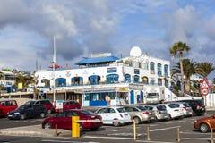 Lojas e restaurantes sobre Fotografia de Stock Royalty Free