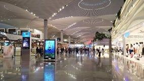 Lojas luxory do aeroporto de Istambul vídeos de arquivo