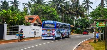 Lokal buss i Galle, Sri Lanka arkivbilder