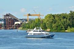 lokal för motorboat för brokonstruktion arkivbild