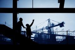 lokal för silhouette för byggnadskonstruktion ytter