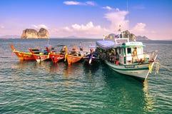 Lokal fiskebåt på Trang, Thailand Arkivfoton