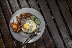 Lokal frukostmaträtt arkivbilder