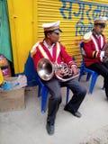 Lokal mässingsmusikband trumpetgrabben Fotografering för Bildbyråer