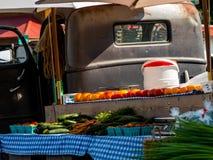 Lokal marknad för bonde` s Arkivfoto