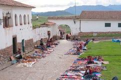 Lokal marknad i Chinchero, Peru Royaltyfri Bild