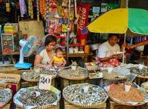 Lokal marknad på kineskvarteret i Manila, Filippinerna Royaltyfri Fotografi