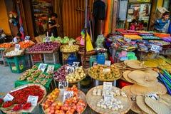 Lokal marknad på kineskvarteret i Manila, Filippinerna Royaltyfria Bilder