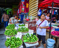 Lokal marknad på kineskvarteret i Manila, Filippinerna Arkivfoto