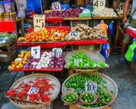 Lokal marknad på kineskvarteret i Manila, Filippinerna Fotografering för Bildbyråer