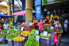 Lokal marknad på kineskvarteret i Manila, Filippinerna Arkivfoton