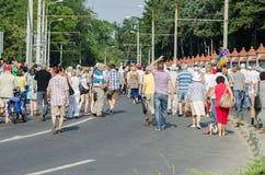Lokal protest av anhängarna av ett lokalt nyheternaTVprogram Antena 3 Arkivbilder