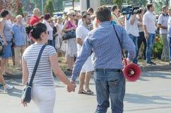 Lokal protest av anhängarna av ett lokalt nyheternaTVprogram Antena 3 Royaltyfri Bild