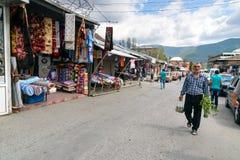 Lokal stadmarknad i Sheki, Azerbajdzjan Arkivbild