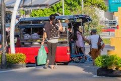 Lokal transport på Chonburi, Thailand Arkivfoto