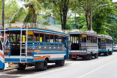 Lokala bussar i Phuket Thailand Arkivfoton
