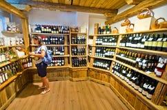 Lokala foods shoppar i Castelrotto Royaltyfria Bilder