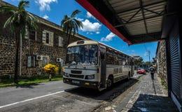 Lokale bus bij hoofdpost in Mauritius stock afbeelding