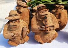 Lokale die Herinneringen van kokosnoot in Punta Cana, Dominicaanse Republiek worden gemaakt Stock Afbeelding