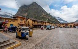 Lokale Dorpsbewonersmarkt in Ollantaytambo, Peru royalty-vrije stock afbeeldingen