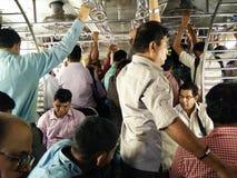 Lokale Eile Mumbais Stockfotografie