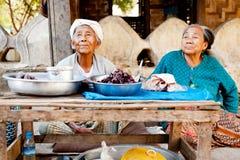 Lokale Leute in Mingun, Myanmar Stockfotografie