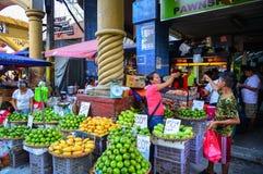 Lokale markt bij Chinatown in Manilla, Filippijnen Stock Foto's