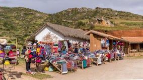Lokale markt die Peruviaanse producten verkopen royalty-vrije stock afbeeldingen