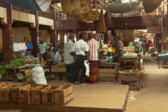 Lokale markt in Sri Lanka - April 2, 2014 Royalty-vrije Stock Afbeelding