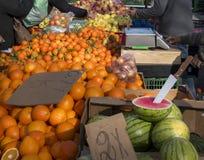 Lokale markt van vruchten en groenten Royalty-vrije Stock Afbeeldingen