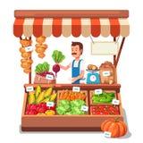 Lokale marktlandbouwer het verkopen groenten Royalty-vrije Stock Foto