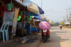 Lokale restaurants in straat in Huay Xai Laos Royalty-vrije Stock Fotografie