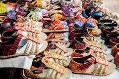 Lokale thailändische Schuhe Stockbilder