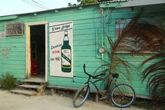 Lokale winkel in Caye-Breeuwijzer, Belize Stock Afbeelding