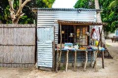 Lokalen shoppar standf shoppar i Mocambique, Afrika Arkivbilder
