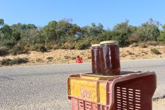 Lokaler Honig für Verkauf in Kappe Bon, Tunesien lizenzfreie stockbilder