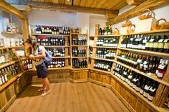 Lokaler Nahrungsmittelshop in Castelrotto Lizenzfreies Stockfoto