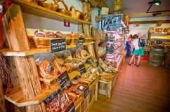 Lokaler Nahrungsmittelshop in Castelrotto Stockfotografie