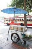 Lokales foodcart in Bangkok stockfotos