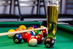 Lokales Tavernen-Bar und Grill-Lebensmittel Stockbild