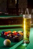 Lokales Tavernen-Bar und Grill-Lebensmittel Stockfotos
