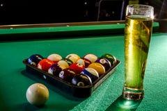 Lokales Tavernen-Bar und Grill-Lebensmittel Lizenzfreie Stockfotos