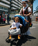 Lokalinvånare av Tenerife firar dagen av kanariefågelöarna, Tenerife, Spanien royaltyfria foton