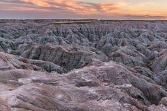 Lokaliserat i sydvästliga South Dakota, Badlandsnationalpark arkivfoton