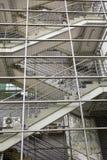 Lokalisiert auf weißem Hintergrund Grauer Käfig gefährlich Lizenzfreie Stockfotos