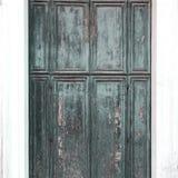 Lokalisierte alte Tür in den grauen und blauen Farben Stockfotografie