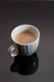 Lokalisierte Espresso-Schale Stockfotos